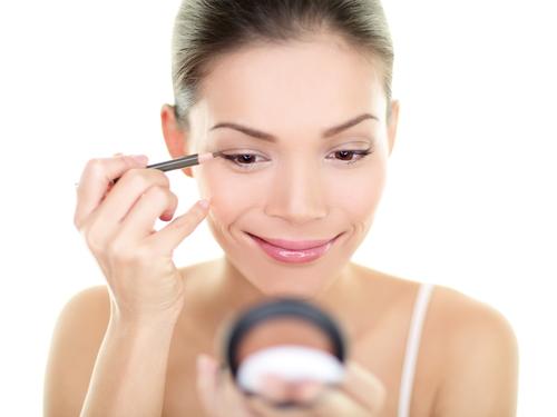 Anleitung zum Augen schminken
