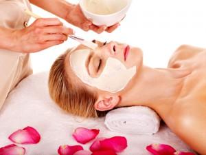 Gesichtsmaske für reine Haut